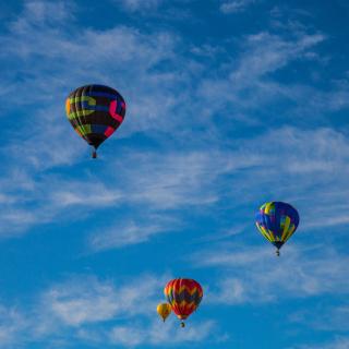 Climb In Balloon - Obrázkek zdarma pro 320x320