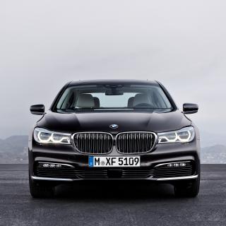 BMW 750Li - Obrázkek zdarma pro 1024x1024