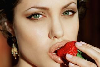 Angelina's Jolie Strawberry - Obrázkek zdarma pro Samsung Galaxy S6 Active