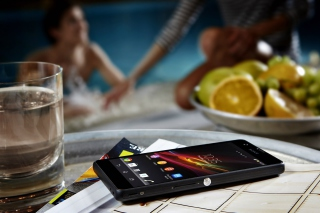 Sony Xperia ZR - Obrázkek zdarma pro Sony Xperia C3
