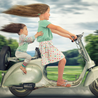 Funny kids on bike - Obrázkek zdarma pro 208x208