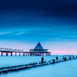 Blue Sea Pier Bridge - Obrázkek zdarma pro iPad 3