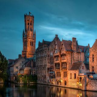 Bruges city on canal - Obrázkek zdarma pro iPad mini 2