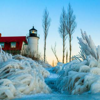Winter Frozen Lighthouses - Obrázkek zdarma pro iPad mini