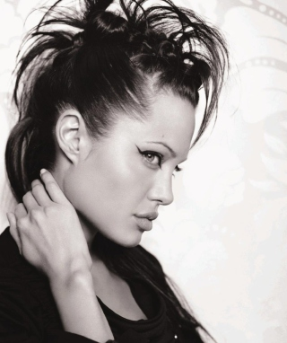 Angelina Jolie - Obrázkek zdarma pro Nokia Asha 203