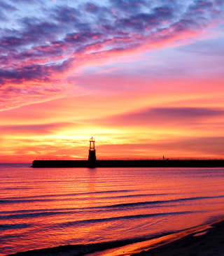 Lighthouse And Red Sunset Beach - Obrázkek zdarma pro 240x320