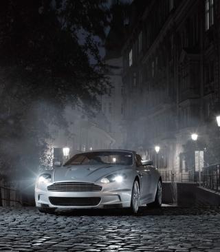 White Aston Martin At Night - Obrázkek zdarma pro Nokia C3-01
