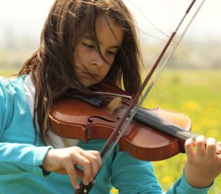 Girl Playing Violin - Obrázkek zdarma pro 2048x2048