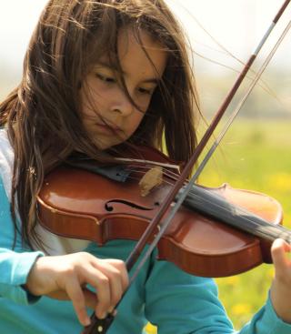 Girl Playing Violin - Obrázkek zdarma pro Nokia C3-01 Gold Edition