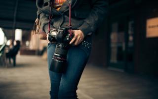Girl With Photocamera - Obrázkek zdarma pro 1280x720