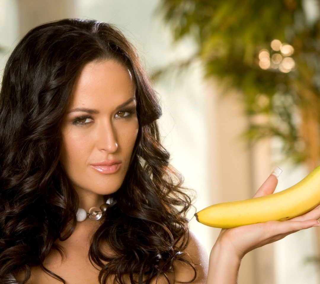 Brunette with bananas Wallpaper for Android 540x960