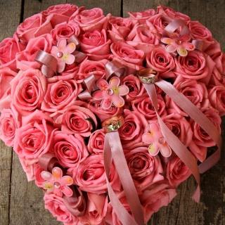 Pink heart from roses Ultra HD - Obrázkek zdarma pro iPad 3
