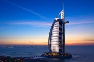Tower Of Arabs In Dubai - Obrázkek zdarma pro LG P970 Optimus
