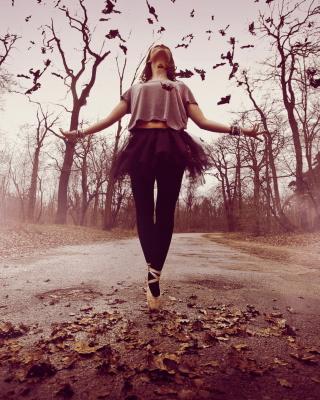 Autumn Ballet Dance - Obrázkek zdarma pro Nokia Asha 300