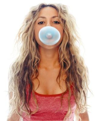 Shakira And Bubble Gum - Obrázkek zdarma pro Nokia C1-01