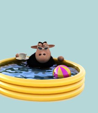Sheep In Pool - Obrázkek zdarma pro 320x480