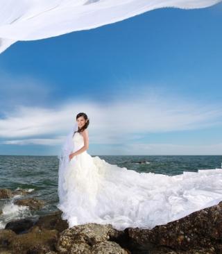 Cute Asian Girl Bride - Obrázkek zdarma pro Nokia 5800 XpressMusic