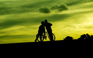 Couple Silhouettes Wallpaper for Android, iPhone and iPad