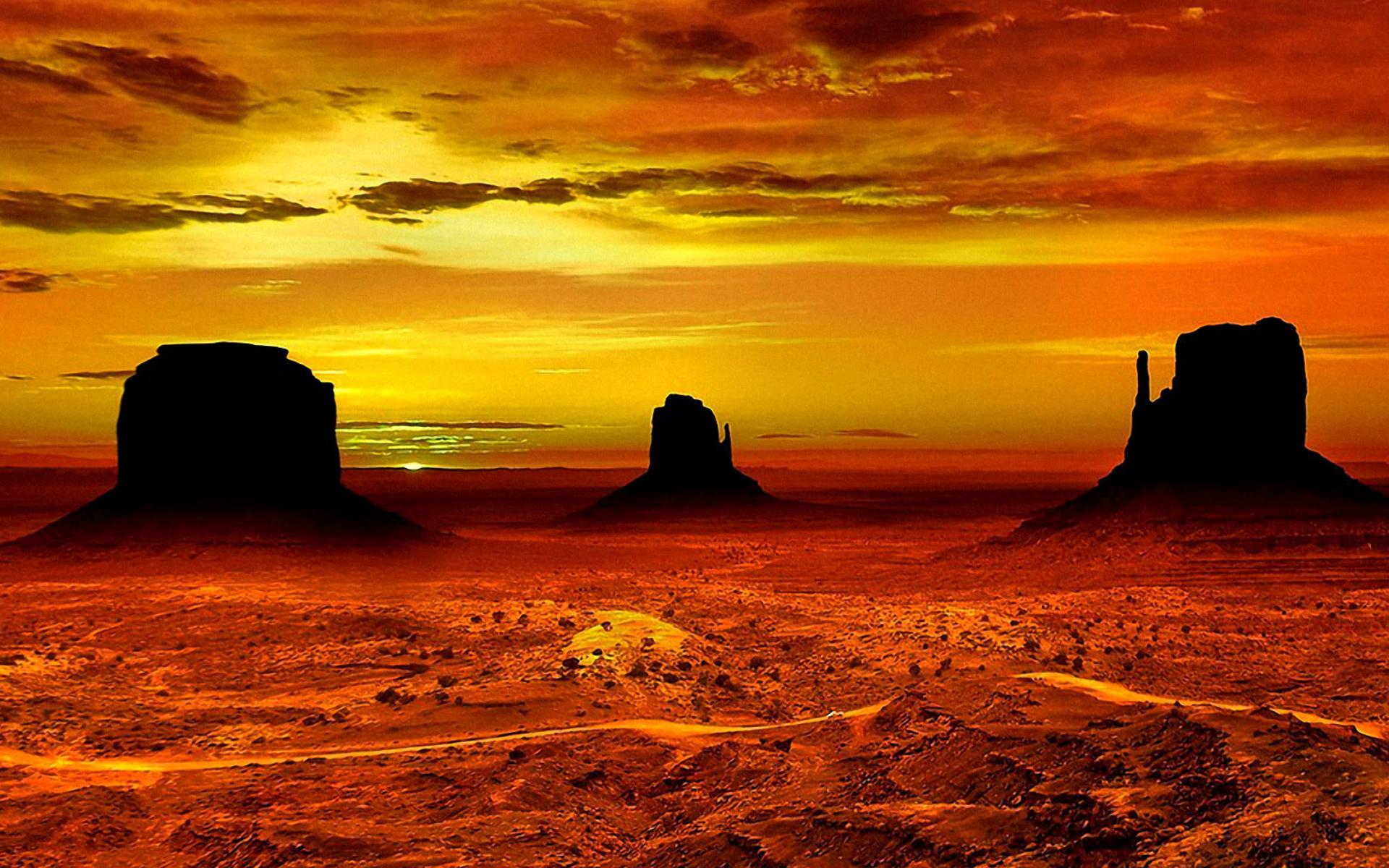Monument Valley Navajo Tribal Park In Arizona Wallpaper