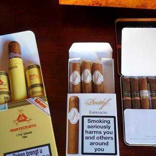 Cuban Montecristo Cigars - Obrázkek zdarma pro 208x208