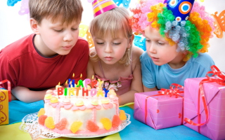 Kids Birthday - Obrázkek zdarma pro Nokia Asha 205
