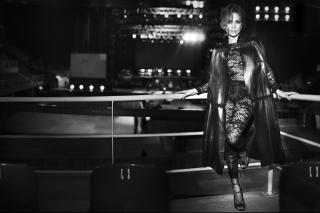 J Lo Black And White - Obrázkek zdarma pro Sony Xperia Z