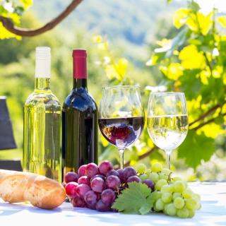 White and Red Greece Wine - Obrázkek zdarma pro 208x208