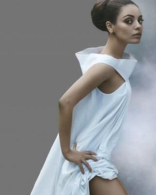 Mila Kunis Ukrainian actress - Obrázkek zdarma pro Nokia Asha 308