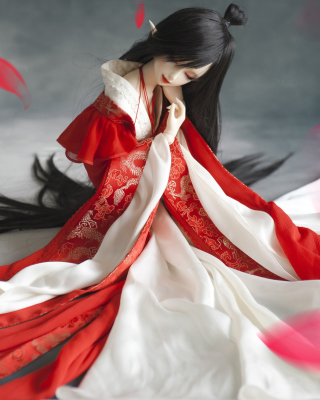 Beautiful Doll In Japanese Kimono - Obrázkek zdarma pro Nokia Asha 308