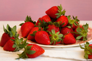 Strawberries Plate Background for Android, iPhone and iPad