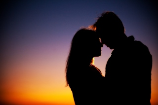 Evening Kiss Background for Android, iPhone and iPad