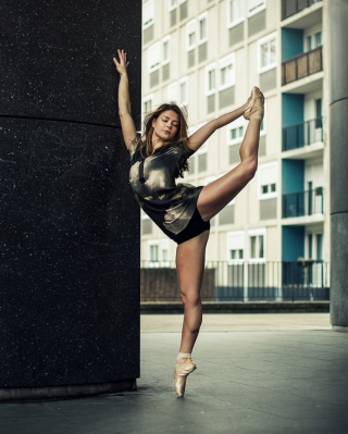 Ballet Dancer - Obrázkek zdarma pro Nokia Asha 300