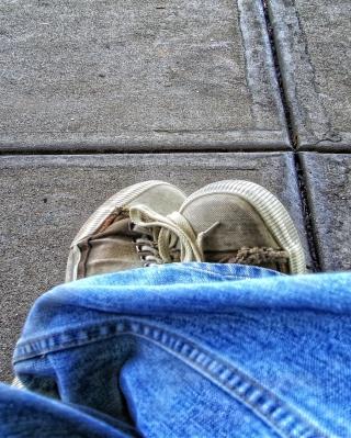 Old Shoes - Obrázkek zdarma pro Nokia Asha 310