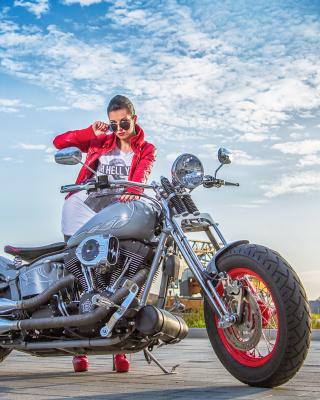 Harley Davidson with Cute Girl - Obrázkek zdarma pro Nokia Asha 306