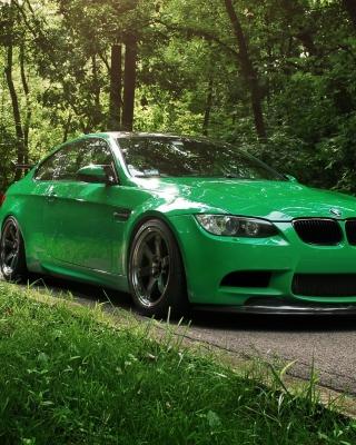 Green BMW Coupe - Obrázkek zdarma pro Nokia Asha 502