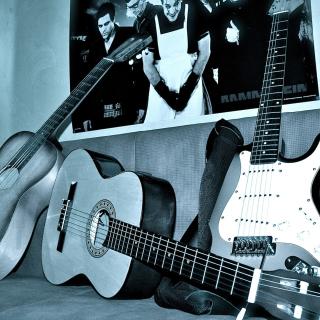 Rammstein guitars for metal music - Obrázkek zdarma pro iPad mini 2