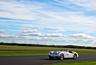 Free Silver Jaguar XK120 Picture for Android, iPhone and iPad