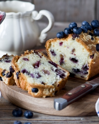Blueberries Cake - Obrázkek zdarma pro Nokia Asha 300