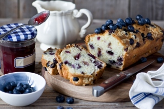 Blueberries Cake Background for Android, iPhone and iPad