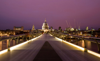 Free Millennium Futuristic Bridge in London Picture for Android, iPhone and iPad
