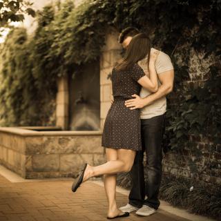 Couple Kiss - Obrázkek zdarma pro iPad Air