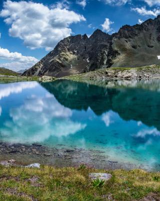 Lake Geneva in Switzerland - Obrázkek zdarma pro Nokia Asha 202