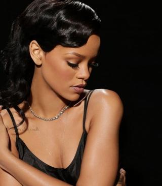 Rihanna - Obrázkek zdarma pro 176x220