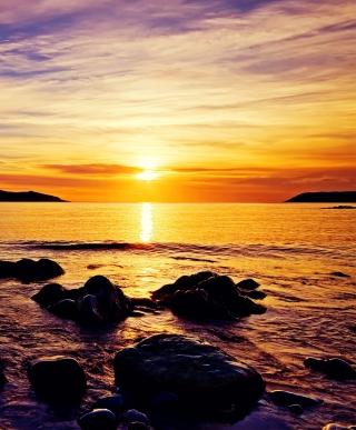 Golden Sunrise Beach - Obrázkek zdarma pro Nokia Lumia 810