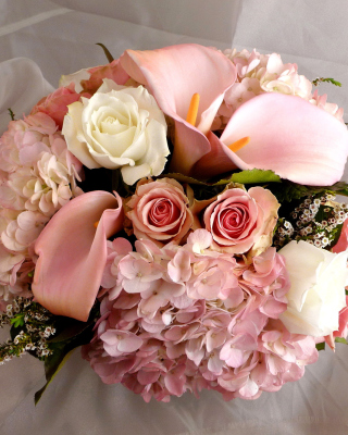 White Roses Bouquet - Obrázkek zdarma pro Nokia Asha 309