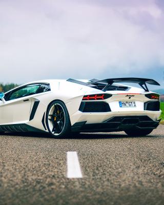 Lamborghini Aventador - Obrázkek zdarma pro 240x320