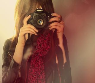 Girl With Canon Camera - Obrázkek zdarma pro 128x128
