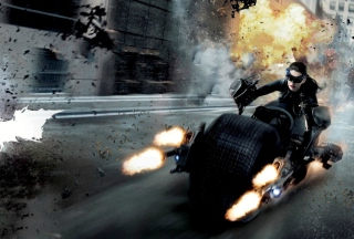 Free Anne Hathaway In Dark Knight Rises Picture for Android, iPhone and iPad