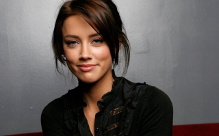 Amber Heard Wallpaper for Android, iPhone and iPad