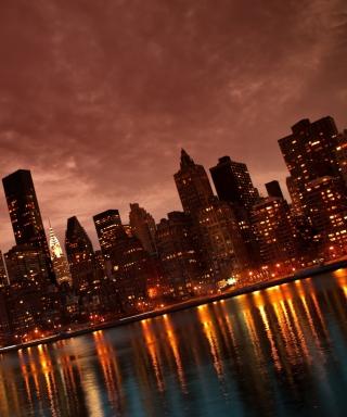 Manhattan Reflections - Obrázkek zdarma pro Nokia Asha 311